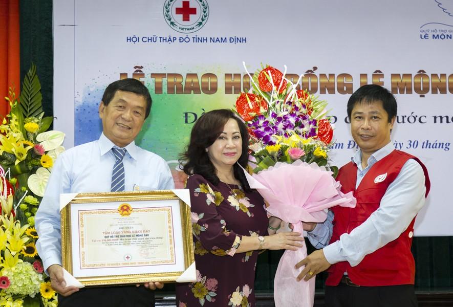 Quỹ Lê Mộng Đào trao tặng hơn 1,5 tỷ đồng học bổng Lê Mộng Đào tại Hà Nội, Tây Bắc và Phú Quốc - 6