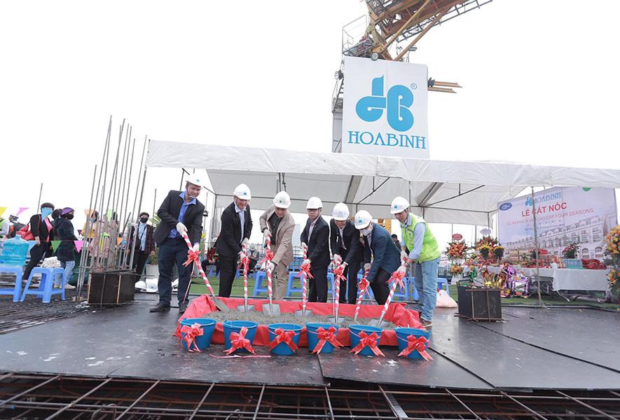 Hòa Bình cất nóc dự án Four Seasons – Khách sạn 6 sao đầu tiên tại Hà Nội