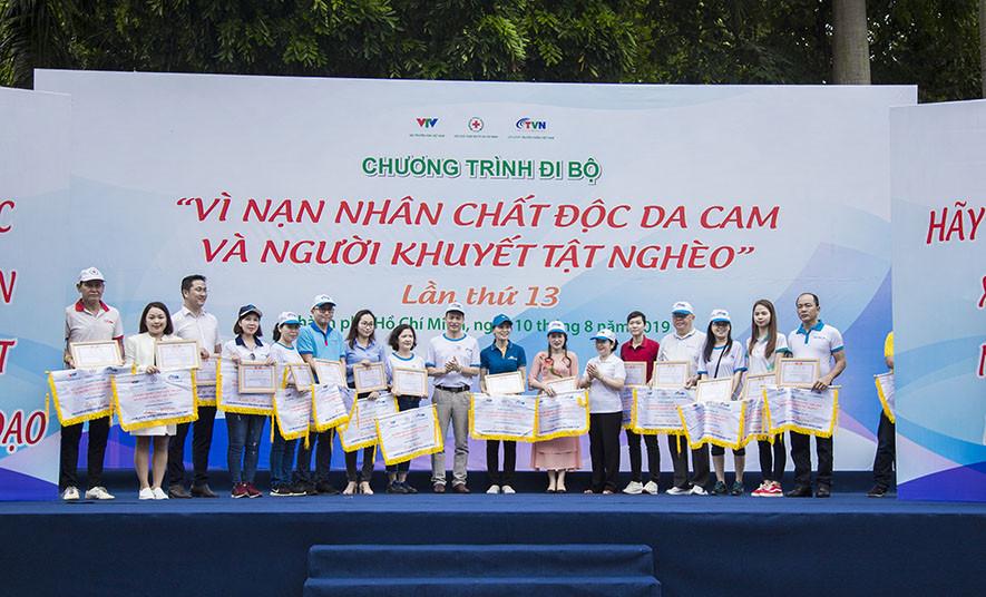 Hòa Bình tham gia đi bộ vì nạn nhân chất độc da cam - 1