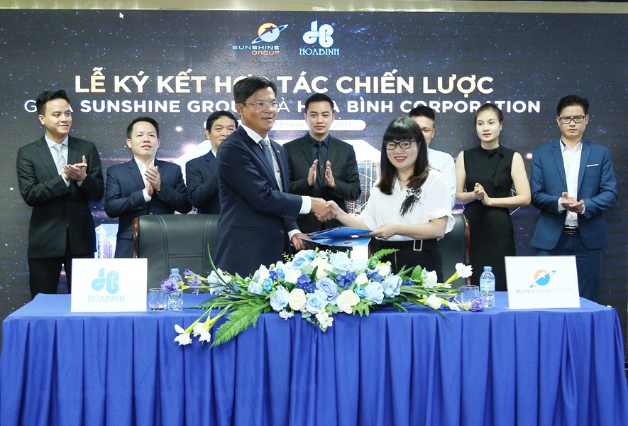 Tập đoàn Xây dựng Hòa Bình và Sunshine Group ký kết hợp tác chiến lược - 1