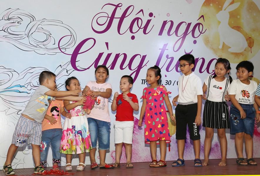 Hòa Bình tổ chức vui trung thu cho hơn 700 thiếu nhi của tập đoàn