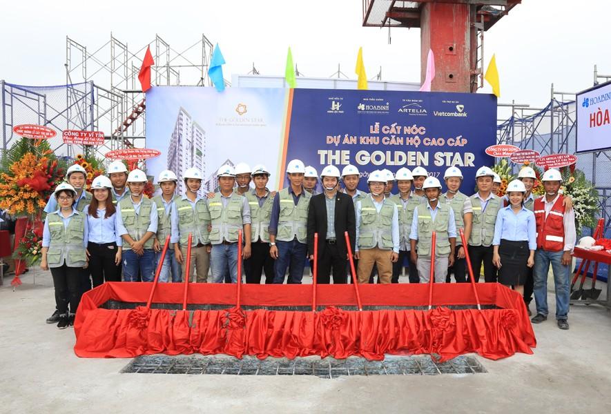 Cất nóc dự án The Golden Star vượt trước tiến độ 6 ngày - 2