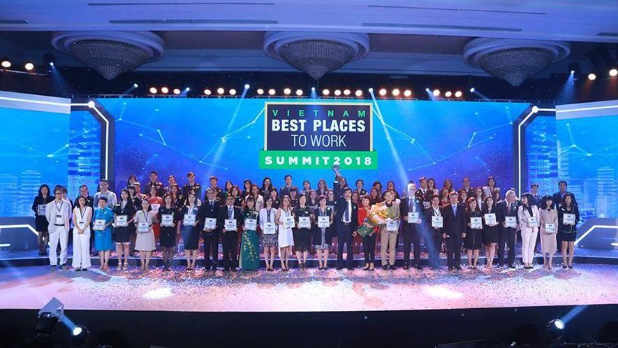 Nơi làm việc tốt nhất 2017: Hòa Bình đạt cả 3 giải thưởng lớn - 1