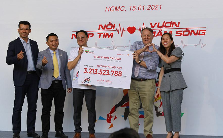 Hòa Bình tài trợ chính chương trình Chạy vì trái tim