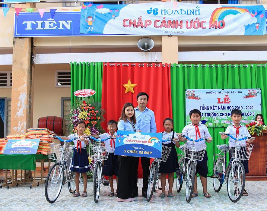 Hoà Bình thực hiện chương trình chắp cánh ước mơ tại Tây Ninh
