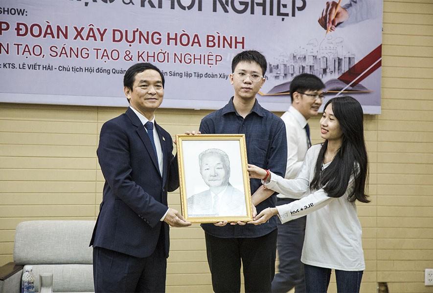 CEO Lê Viết Hải làm diễn giả tại trường Đại học Kiến trúc